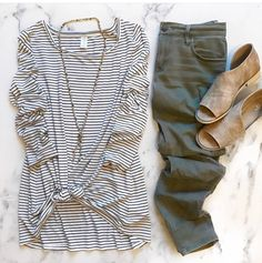 How to wear 1 striped shirt 10 different ways! - Outfits for Work - How to wear 1 striped shirt 10 different ways! - Outfits for Work - Fall Winter Outfits, Autumn Winter Fashion, Spring Outfits, Fall Fashion, Casual Outfits, Cute Outfits, Fashion Outfits, Womens Fashion, Petite Fashion