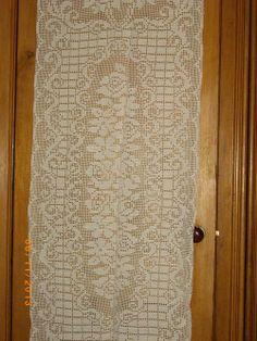 Filet crochet Runner19910_4308672895027_1511882361_n