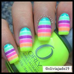 La #primavera invita a flores, a lucir colores vivos en nuestras #manicuras y #pedicuras. ¿Te apuntas? #nails #unas #spring #pedicure #Mallorca #TinaJimenez #Harmony #Orly
