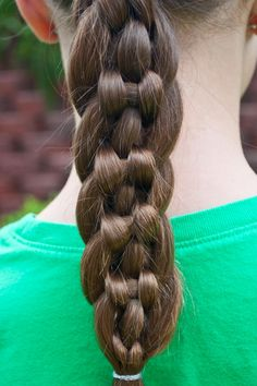 7 strand braid by princess piggies. I love the look of this one, it's so unique.