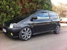 Elegant Black Renault Twingo