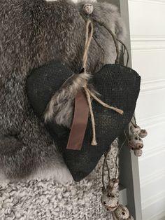 Stoer jute hart zwart Hart, Sewing Table, Jute, Just For You, Blanket, Home Decor, Room Decor, Blankets, Carpet