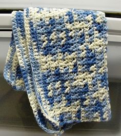 Learn to make this fabulous kitchen towel and washcloth set for yourself and to give to others as gifts. #crochet #crochetgifts #kitchen