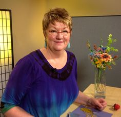 We have just been joined by Beth Kraft this morning in the US Bead TV studio. Beth film two beaded flower projects from her Fantasy Flower course. Look out for these coming to www.bead.tv soon.