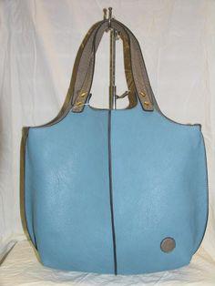 bolso benetton de cruzar azul y rojo