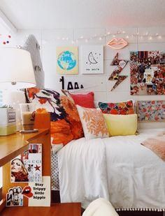First home room inspo in 2019 dorm rooms, dorm, room. Cute Dorm Rooms, College Dorm Rooms, Dorm Room Themes, College Room Decor, College Dorm Bedding, Bedroom Inspo, Bedroom Decor, Minimalist Dorm, Dream Rooms