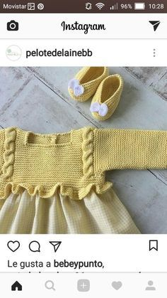 Kimono-wrap baby jacket stops just at rib cage height (like Knitting For Kids, Baby Knitting Patterns, Crochet For Kids, Baby Patterns, Crochet Baby, Tricot Baby, Pull Bebe, Baby Girl Party Dresses, Baby Girl Winter