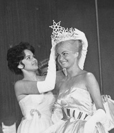 1961 Miss Universe Marlene Schmidt of Germany. Miss Universe Philippines, Hawaiian Tropic, Beauty Contest, Beautiful Inside And Out, Miss World, Beauty Pageant, Hairspray, Beauty Queens, Vintage Beauty