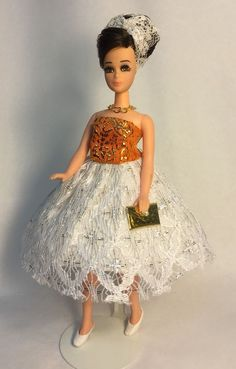 Vintage Topper Dawn Doll Modeling Maureen In Fashion World Dress w/Accessories