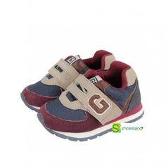 Tu bebé comienza a caminar y quieres que vaya a la última moda como su papá?  Escoge estos deportivos de niño de Gioseppo. Están pensados para comenzar a caminar sin renunciar a la moda. Del 20 al 24