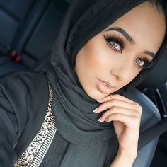 "1,413 Likes, 32 Comments - ANNAM AHMAD (@annam.ahmad) on Instagram: ""See 2 posts back for makeup details!   Use my code Annam for 20% off @nubounsom lashes! I'm…"""
