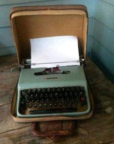 Máquina de datilografia portátil