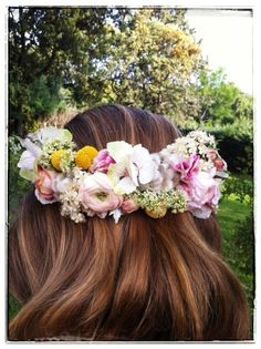 Corona de flores de Mar de Flores #flowercrown #coronaflores #tocadoflores #tendenciasdebodas