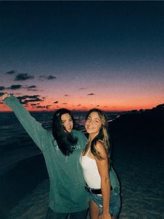 VSCO - annabellleott - - Bff Pictures - You ar Photos Bff, Best Friend Photos, Best Friend Goals, Beach Photos, Bff Pics, Beach Sunset Pictures, Shotting Photo, Cute Friend Pictures, Best Friend Photography