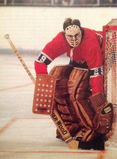Ken Dryden Montreal Canadiens, Hockey Goalie, Hockey Teams, Ice Hockey, Ken Dryden, Hockey Pictures, Goalie Mask, Vancouver Canucks, Sports Figures