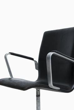 arne jacobsen oxford chairs model 3271 produced by fritz hansen at studio schalling design arne jacobsen office chair