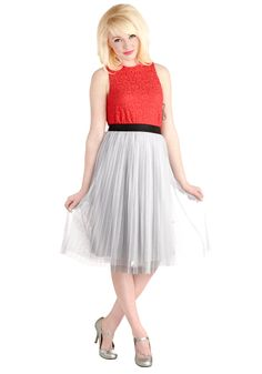 Dancing Through Dallas Skirt in Grey. Youve enjoyed your sojourn through the Lone Star State so far, so when you hit the streets of Dallas for your last night out, celebrate in this grey tulle skirt! #grey #modcloth