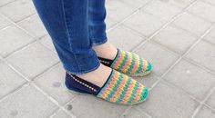 alpargatas bordadas a mano / embroidered slippers Espadrilles, Shoes, Fashion, Scrappy Quilts, Espadrilles Outfit, Moda, Zapatos, Shoes Outlet, Fashion Styles