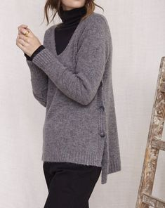 Jersey Edmont gris Boutique, Pullover, Sweaters, Fashion, Templates, Knit Jumpers, Plunging Neckline, Gray, Clothing