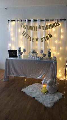 twinkle twinkle little star themed gender reveal ! Gender Reveal Themes, Gender Reveal Decorations, Baby Gender Reveal Party, Gender Party, Gender Neutral Baby Shower, Baby Shower Fun, Baby Shower Parties, Baby Shower Themes, Twinkle Twinkle Little Star