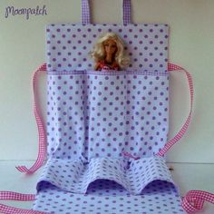Barbie Tote by moonpatch- no pattern, links to store... But looks easy enough to figure out
