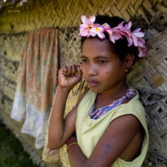 Trobriand girl, Milne Bay Province in Papua New Guinea #oceania #papuanewguinea #girl פפואה גינאה החדשה www.papua-by-raz.co.il/papua