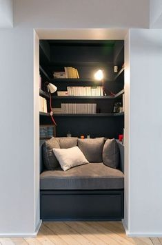 Victor Hugo - GCG ARCHITECTS - Reading Nook with matching office nook on other side of the hallway Home Library Design, House Design, Reading Nook Closet, Closet Nook, Closet Office, Interior Design Boards, Home Libraries, Small Spaces, Diy Home Decor