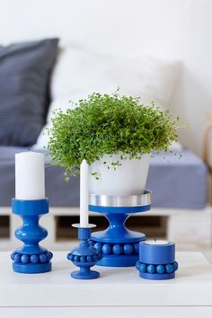 Candle holders in blue - Aarikka, Finland. In blue and white ; Candlestick Holders, Candlesticks, Blue And Silver, Blue And White, Marimekko, Something Blue, Wooden Beads, Home Decor Accessories, Scandinavian Design