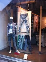Resultado de imagen para windowdisplays jeans