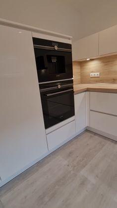 Kitchen Pantry Design, Luxury Kitchen Design, Kitchen Cabinet Design, Kitchen Layout, Interior Design Kitchen, Modern Kitchen Interiors, Kitchen Contemporary, Cuisines Design, Kitchen Remodel