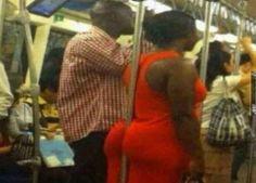 Si vous décidez de vous appuyer contre une barre dans le métro, vous risquez d'imposer ce spectacle à tout le monde. | Les 22 problèmes des filles au cul rebondi