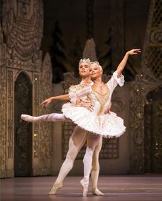Francesca Hayward and Alexander Campbell in The Nutcracker.  Royal Ballet   ROH