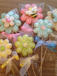 41 Ideas cupcakes flower bouquet sugar cookies for 2019 Mother's Day Cookies, Summer Cookies, Fancy Cookies, Valentine Cookies, Iced Cookies, Cute Cookies, Easter Cookies, Birthday Cookies, Heart Cookies