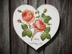 White heart with roses Wooden Hearts, Decoupage, Decorative Plates, Roses, Embroidery, Canvas, Home Decor, Tela, Needlepoint