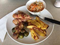Tepsis egybesült | mókuslekvár.hu Sausage, Bacon, Meat, Chicken, Food, Sausages, Essen, Meals, Yemek