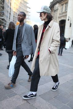 They Are Wearing: Paris Men's Fashion Week Fall 2014 Mens Fashion Week, Fashion News, Men's Fashion, Fashion Photo, Asos, Stylish Men, Stylish Outfits, Mens Clothing Styles, Men Dress