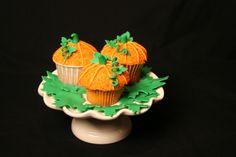 Pumpkin Cupcakes - frostedontop.com
