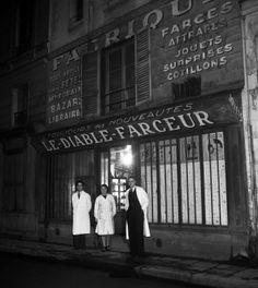 Le diable farceur  1947 |¤ Robert Doisneau | 14 décembre 2015 | Atelier Robert Doisneau | Site officiel