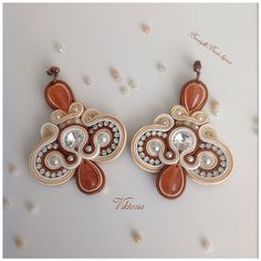 "Buon Venerdí ragazze!!! A gran richiesta ritornano gli orecchini ""Viktoria"" in crema, pesca e terracotta!! orecchini#earrings#soutache#soutacheearrings#beautyandbeadsbijoux#beautyandbeadsbijouxearrings#beautyandbeadsbijouxsoutache#beautyandbeadsbijouxsoutacheearrings#handmade#fashion#fashionblogger#fashionbloggers#bijoux#jewels#swarovski#swarovskielements#youtuber#youtube#ss2015"