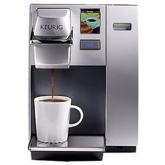 The Keurig® OfficePRO® Premier Brewing System brews a perfect cup of coffee, tea, hot cocoa or iced beverage in under one minute at the touch of a button. Now everyone you work with can brew what they love. This fully programmable brewer has an interactive touchscreen that allows you to program the brew temperature, Auto On/Off and set your language preference to English, Spanish or French. The OfficePRO® Premier brewer has a choice of four cup sizes, offers a removable drip tray to… Single Coffee Maker, Pod Coffee Makers, Single Serve Coffee, Coffee Pods, Coffee Machine Price, Jura Coffee Machine, Espresso Coffee Machine, Turkish Coffee Machine, Mugs