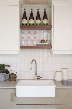Apron sink with subway tile applied vertically for modern vibe. Modern Grey Kitchen, Grey Kitchen Designs, New Kitchen, Kitchen Decor, Minimalistic Kitchen, Subway Tile Kitchen, Kitchen Backsplash, Kitchen Cabinets, Backsplash Design