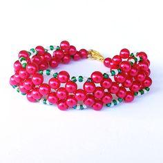 Christmas Bead Bracelet, Tween Girl Size, Gift for Granddaughter, Daughter, Little Sister, Red, Green and White Seed Beading, Custom Length by LakeviewNeedlework on Etsy