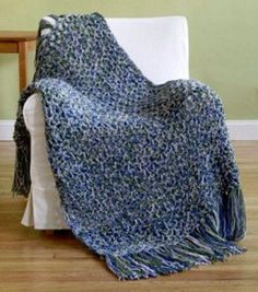 Under 6 Hours Crochet Throw Pattern | A lovely easy crochet pattern! This blanket makes for the perfect lapghan.