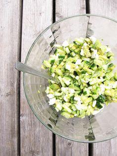 PUNAVUORI GOURMET: Uusin kesäsalaatti! Avokadoa&kurkkua&fetaa