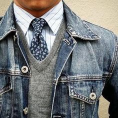 Generation Style & Fashion — dappermenblog:   Dapper & Denim • shout out to... Mens Winter Sweaters, Casual Sweaters, Men Sweater, Gray Sweater, Outfits Jeans, Moda Outfits, Mens Fashion Blog, Best Mens Fashion, Men's Fashion