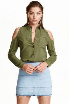 Camisa de ombros recortados   H&M