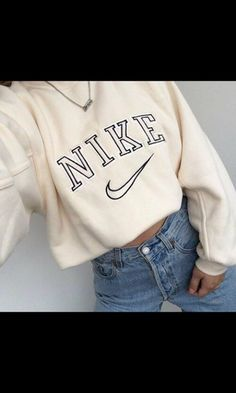 sweater nike sweat white beige nike sweater sweatshirt jeans denim nike shoes long sleeves nude vintage oversized sweater shirt tan nike shirt old school swoosh logo vintage shirt cute tumblr tumblr top superfinders vintage pullover pullover hoodie white sweater creme vintage nike retro classic cream adidas top clothes girl cropped hoodie nude cropped sweatshirt cropped nike cropped hoodie crop tops jacket nike hoodie