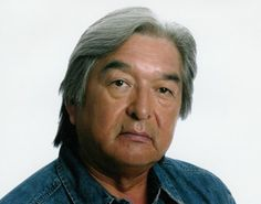 Graham Greene, Actor: The Green Mile. Graham Greene was born on June 1952 in Six Nations Reserve, Ontario, Canada. He is known for his work on The Green Mile Wind River and Dances with Wolves He has been married to Hilary Blackmore since December Native American Actors, Native American Photos, Native American History, American Indians, American Gods, Portfolio Fashion, Native Canadian, Canadian People, Dances With Wolves