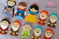 dedoches-branca-de-neve-em-feltro-un-dedoches. Felt Puppets, Felt Finger Puppets, Easy Diy Crafts, Crafts For Kids, Finger Puppet Patterns, Quiet Book Templates, Diy Quiet Books, Felt Stories, Paper Dolls Printable