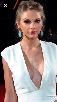 تايلور سويفت 2019 2020 Taylor swift Тейлор Свіфт Тејлор Свифт 泰勒斯威夫特 טיילור סוויפט تیلور سویفت 테일러 스위프트 テイラースウィフト hollywood actress URVASHI RAUTELA WALLPAPERS PHOTO GALLERY  | FILMIBEAT.COM  #EDUCRATSWEB 2020-06-20 filmibeat.com https://www.filmibeat.com/wimgm/1366x70/desktop/2020/04/urvashi-rautela_41.jpg